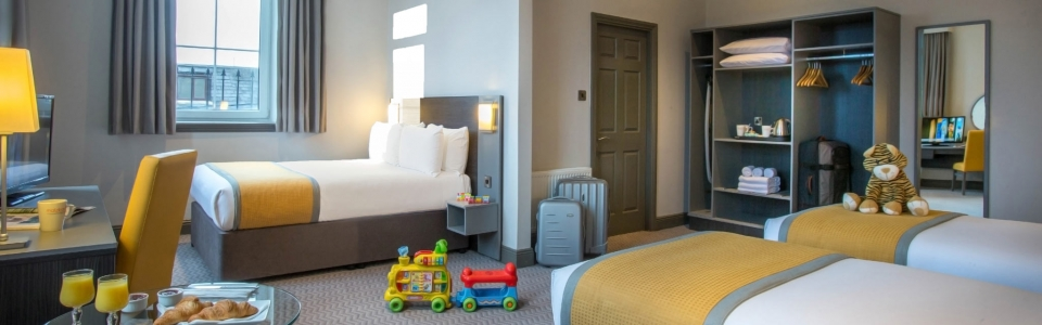 Family-Room-Maldron-Hotel-Cork